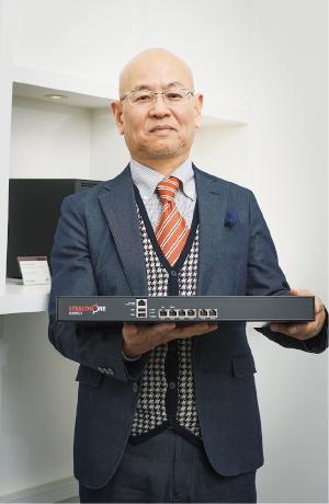 内藤芳郎氏